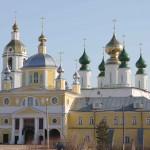 монастырь лето